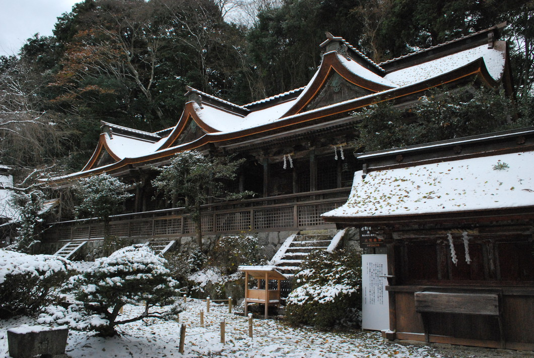 雪の吉野水分神社