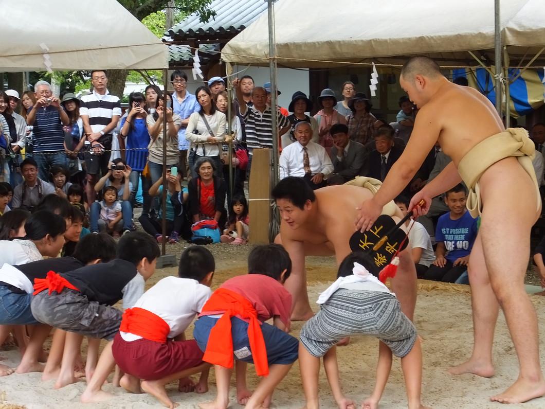 休ヶ岡八幡宮大祭・奉納相撲大会