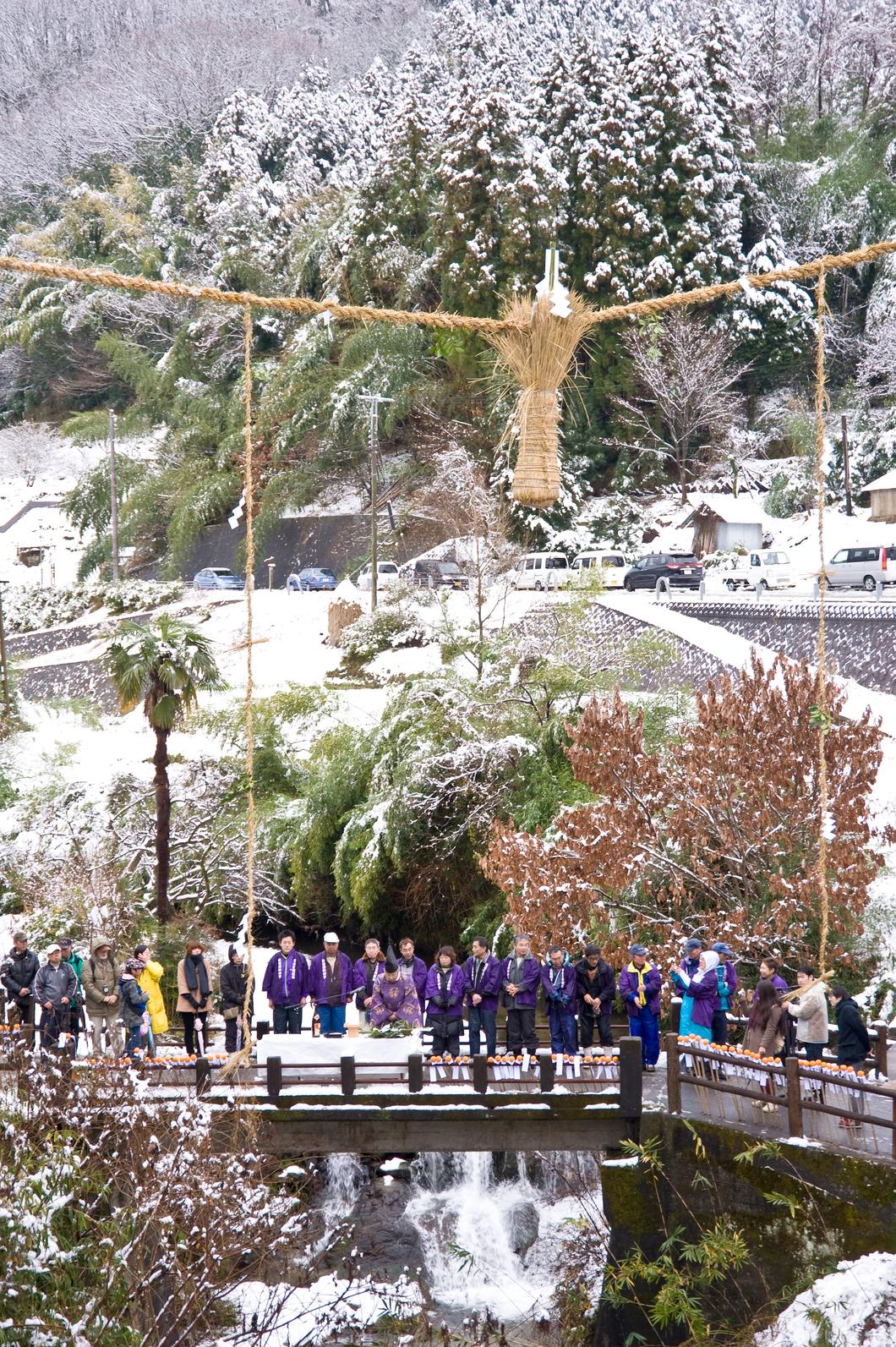 雪中の神事
