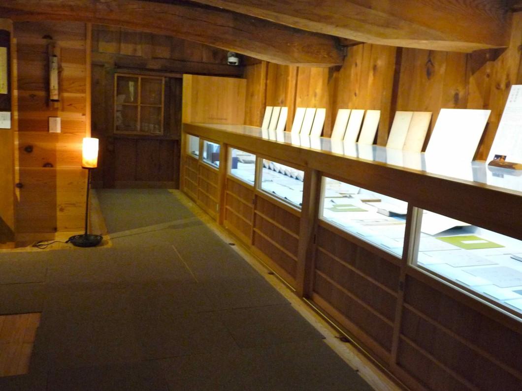 展示内容は1年に4回季節毎に変更し、全館を様変わりさせてお客様をお待ちしています。ホームページをどうかご覧下さい。