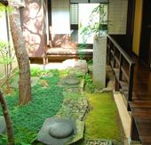 風通しの良い中庭 (写真/EditZ)