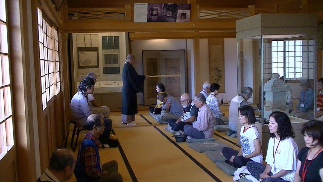 観光ボランティアガイドと歩く・なら「360度のパノラマ明神山と聖徳太子ゆかりの達磨寺」