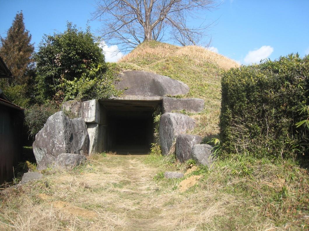 観光ボランティアガイドと歩く・なら「飛鳥の里・古墳の被葬者を探るウォーク」