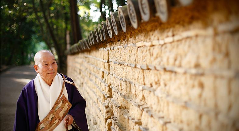―中国にとって名僧であり宝でもあった方が、命の危険をおかしてまで日本に来てくださったのですね。石田長老にとって鑑真和上とはどんな人物ですか。