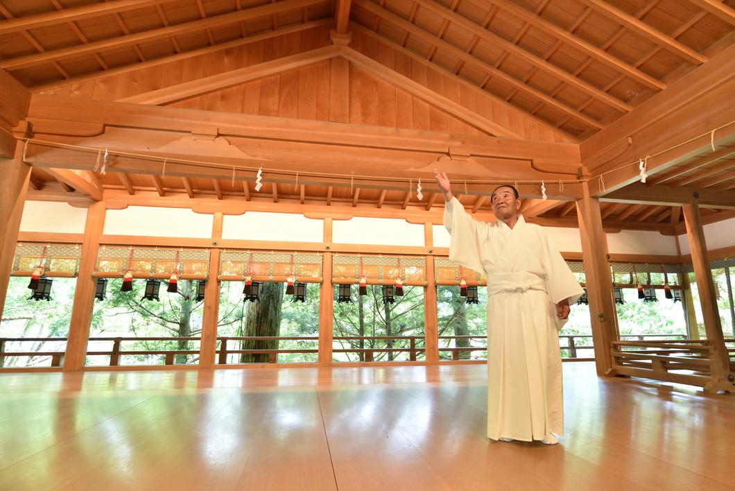 —役行者だけでなく、弘法大師や、南朝との関わりを示す記録も残っています。