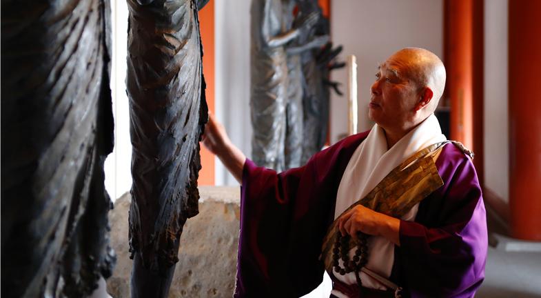 ―オリンピック開催の際には、東京だけでなく、「日本の始まりの地」である奈良への観光客も増えそうです。約110年ぶりに解体修理が進められている東塔の完成は2019年を目指しており、日本随一の壮美を誇った白鳳伽藍の再現が待たれます。