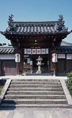 皇族のご懐妊時には、皇室へ腹帯(岩田帯)を献上している由緒ある寺(写真/飛鳥園)