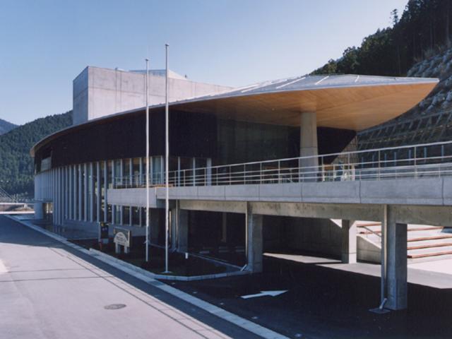 川上総合センター やまぶきホール
