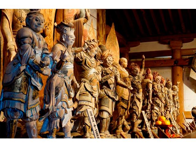 室生寺 散華(さんげ)の絵付け体験と僧侶とランチ