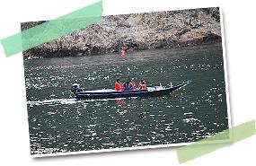 舟に乗れば、川に溶け込んだかのような感覚を味わうことができる。